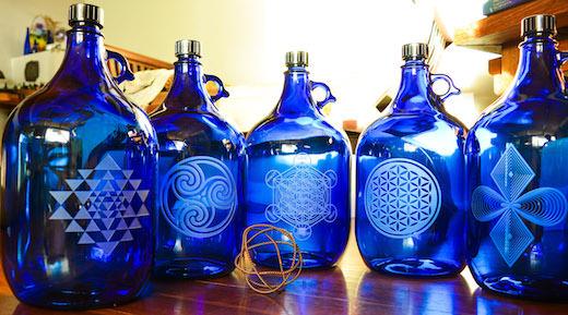 Gravierte 5 Liter Flaschen unserer USA partnerin www-bluebottlelove-com 520