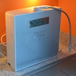 Aquavolta EOS Genesis Auftisch Installation Kueche 600
