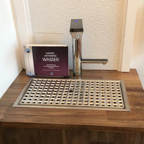 AquaVolta Elegance Untertisch Wasserionisierer Bedienhahn 600
