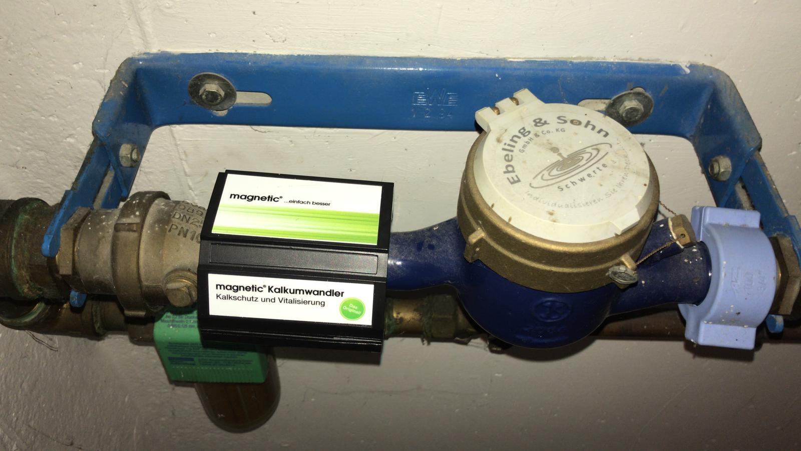 Magnetic Kalkwandler installiert vor der Wasseruhr