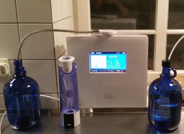 EOS Touch Wasser Ionisator und Age 2 Go Wasserstoff Wasser Generator und 2 Liter Flaschen 600