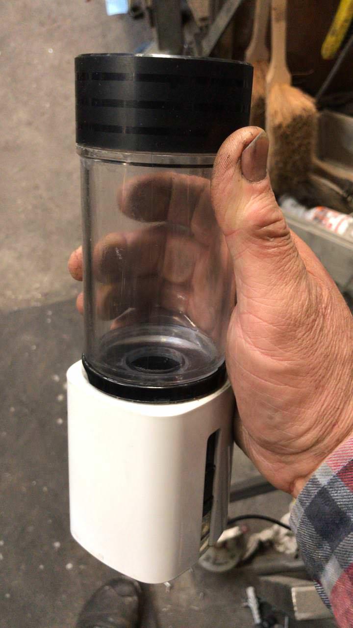 Booster Classic Wasserstoff-booster Handwerker-Hand mit Zukunfstechnologie jetzt verfügbar